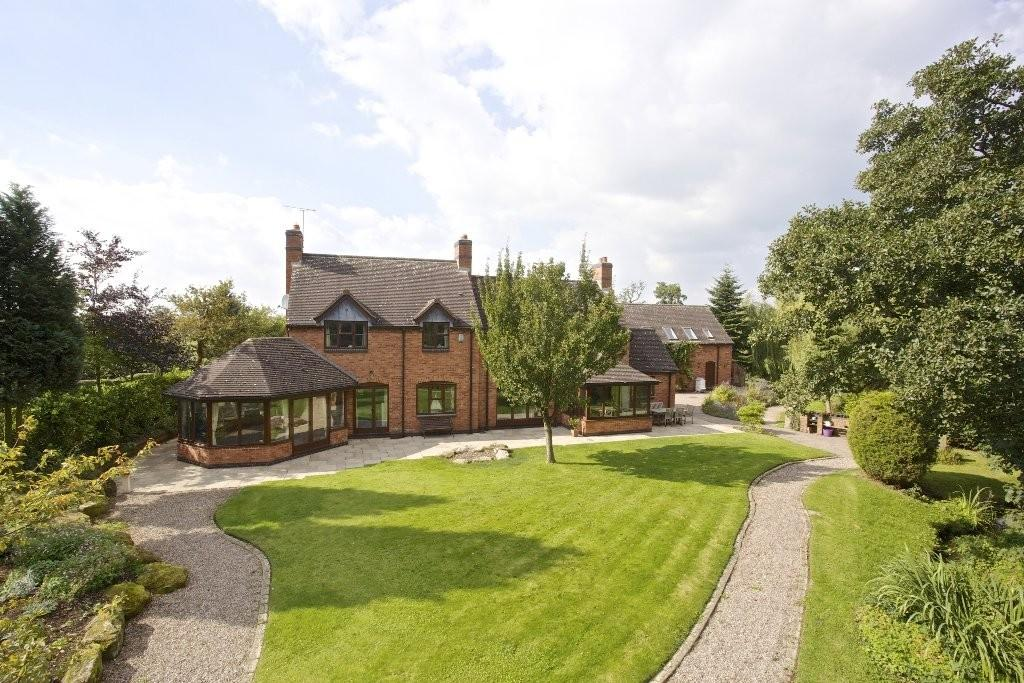 4 Bedrooms Detached House for sale in Roston, Derbyshire