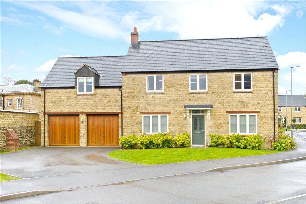 5 Bedrooms Detached House for sale in Mansion Gardens, Potterspury, Towcester, Northamptonshire