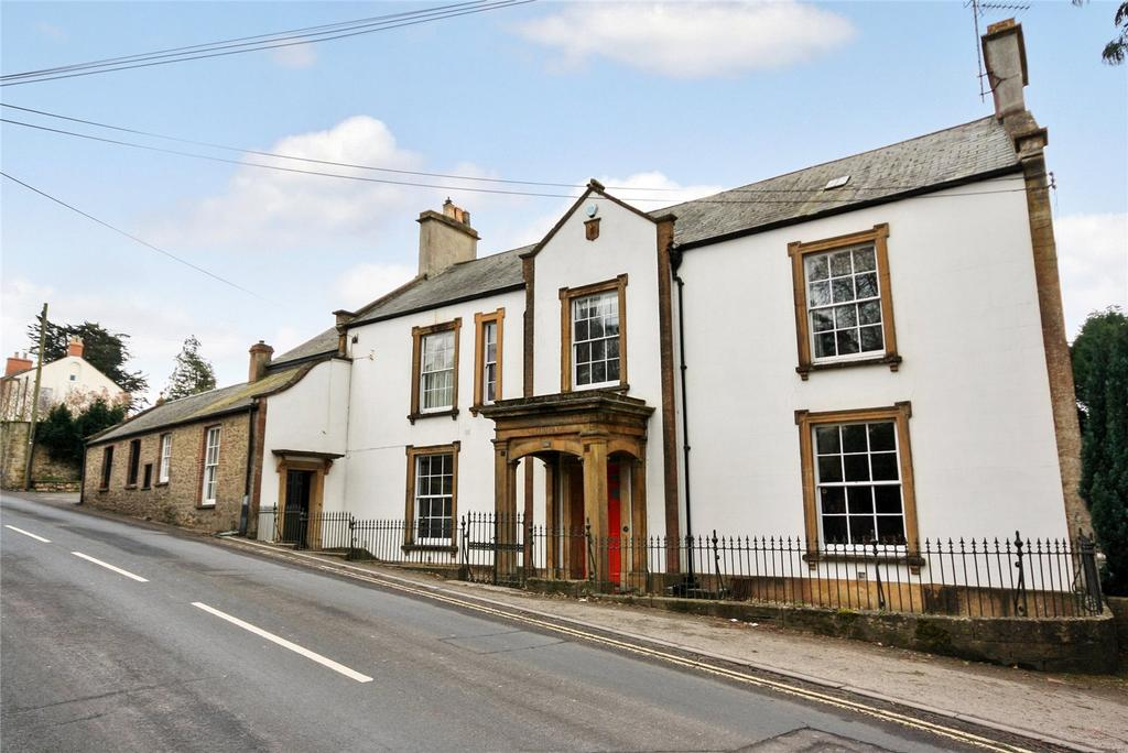 4 Bedrooms House for sale in Station Road, Ilminster, Somerset, TA19