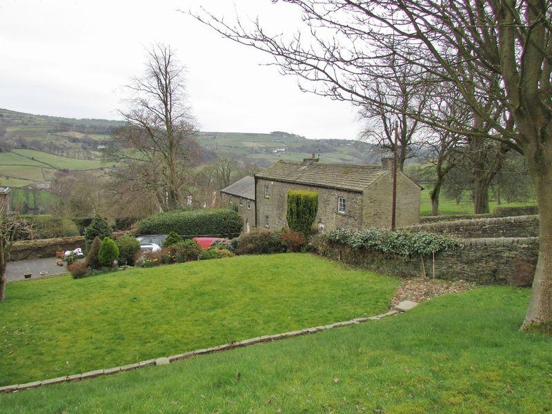 5 Bedrooms Detached House for sale in Delph Hill Lane, Luddenden