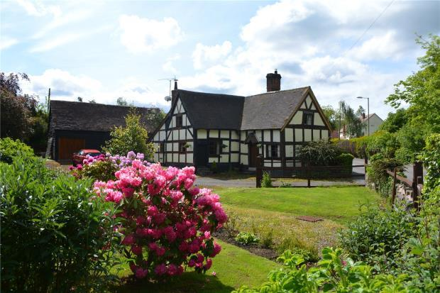 4 Bedrooms Detached House for sale in Brook House, Minsterley, Shropshire