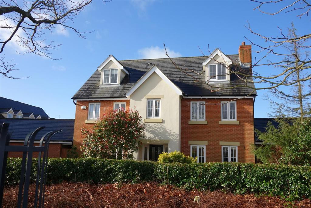 5 Bedrooms Detached House for sale in Heol Tre Forys, Penarth