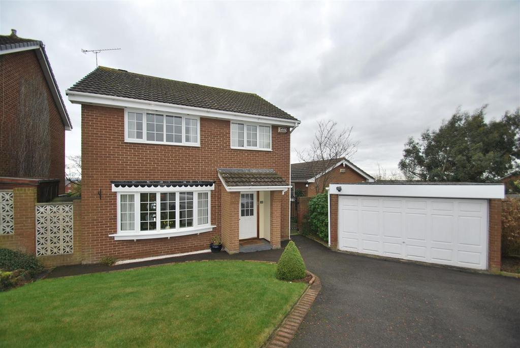 4 Bedrooms Detached House for sale in Netherton Drive, Frodsham