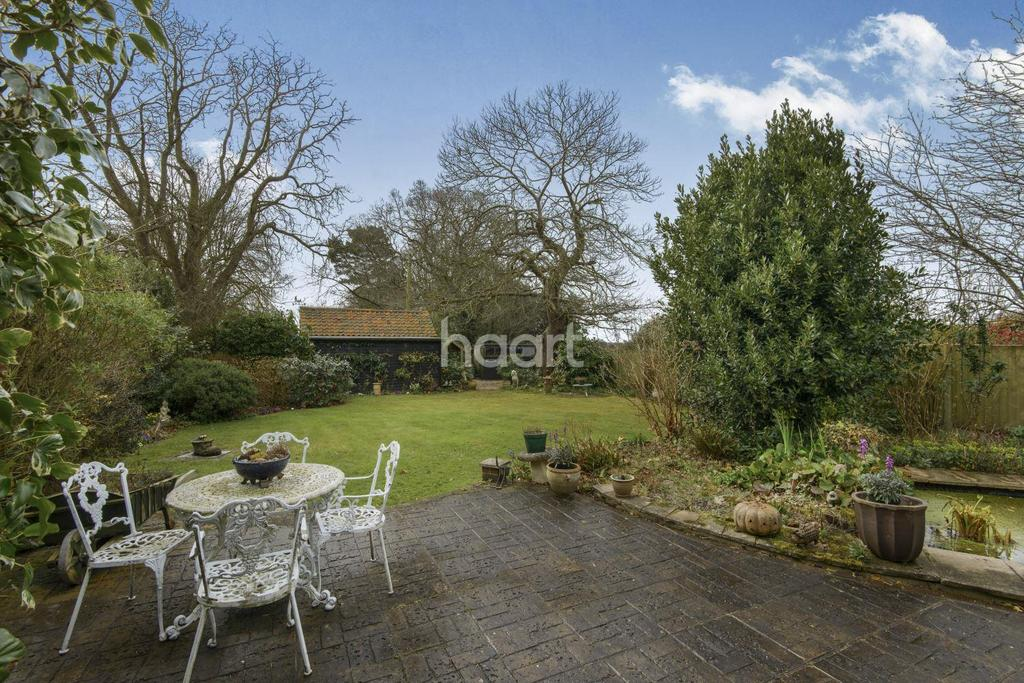 3 Bedrooms Detached House for sale in Bullwood Hall Lane, Hockley