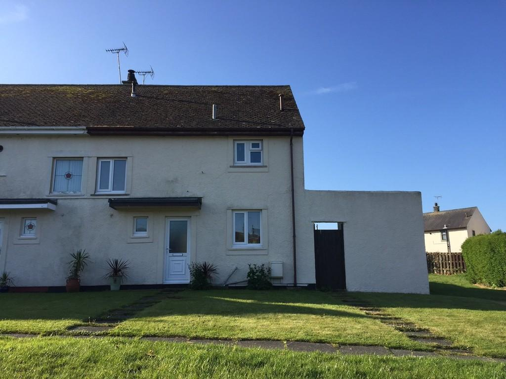2 Bedrooms Semi Detached House for sale in Ffordd Cerrig Mawr, Holyhead, North Wales