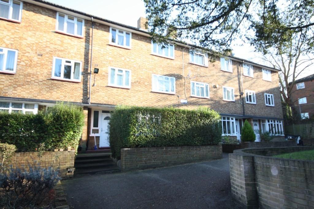 Studio Flat for sale in Lakeview Road, Lambeth, London, SE27