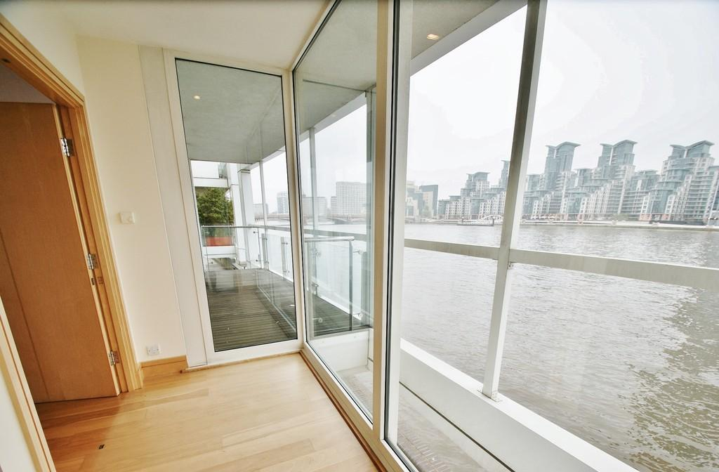 3 Bedrooms Flat for sale in EAGLE WHARF, GROSVENOR ROAD, LONDON, SW1V