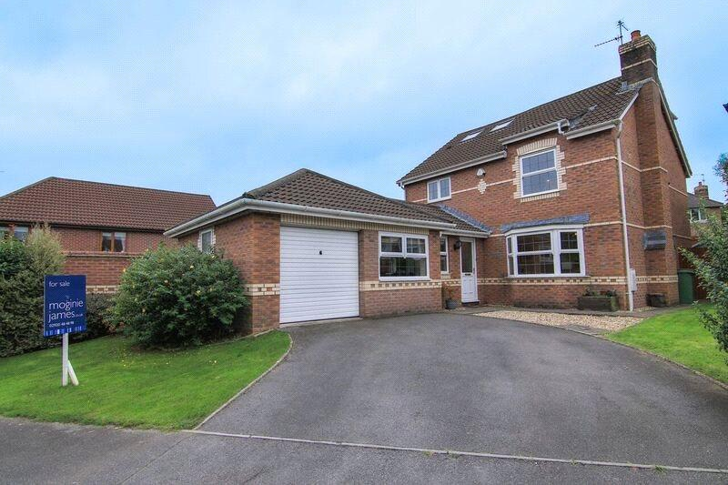 5 Bedrooms Detached House for sale in Llwyn-y-grant Road, Penylan, Cardiff, CF23