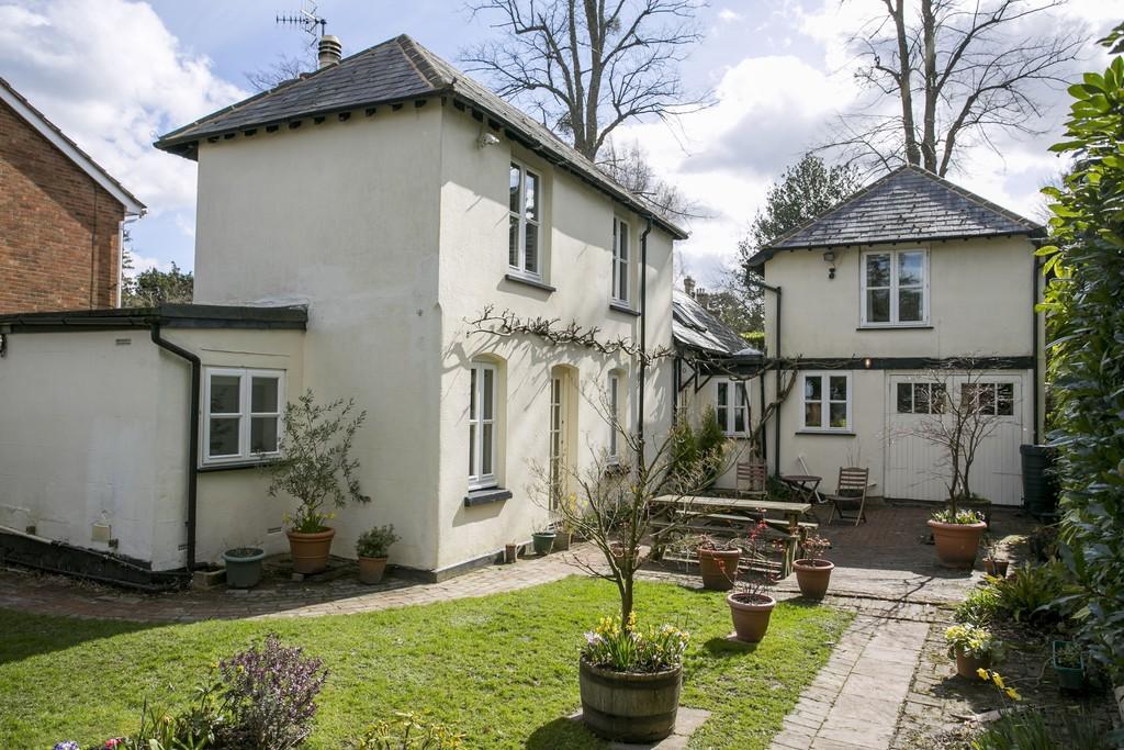 4 Bedrooms Detached House for sale in Broadwater Down, Tunbridge Wells