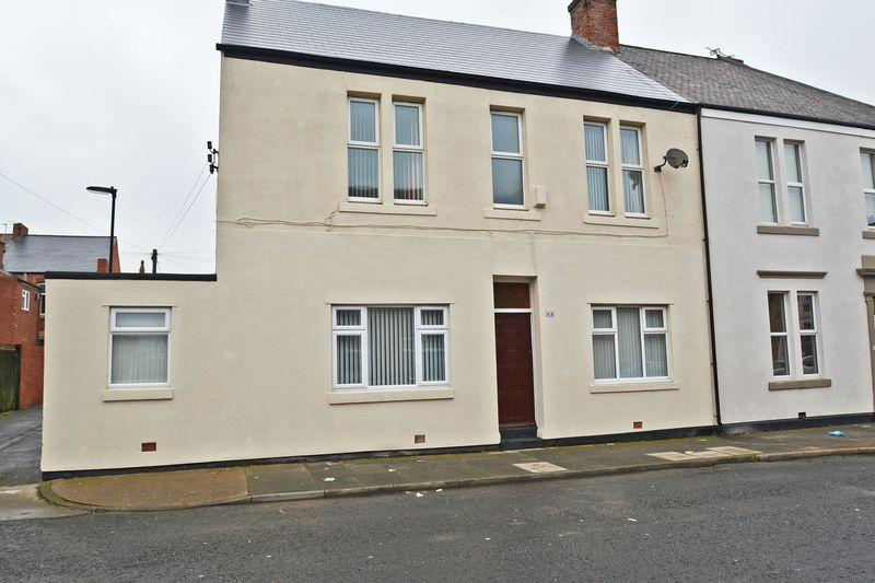 3 Bedrooms Semi Detached House for sale in West Percy Road, North Shields