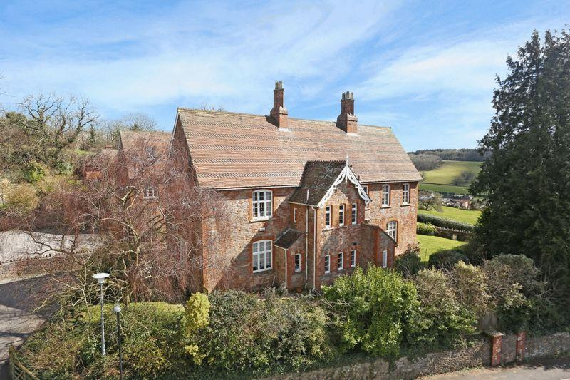 4 Bedrooms Semi Detached House for sale in Upper Breach, South Horrington