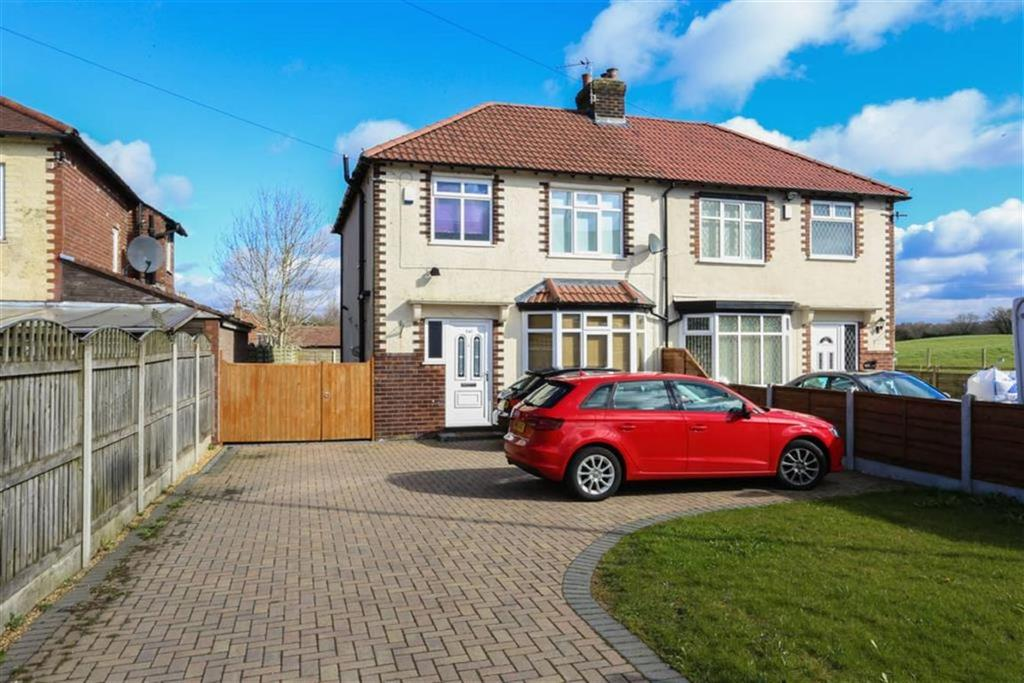 3 Bedrooms Semi Detached House for sale in Buxton Road, Hazel Grove, Cheshire