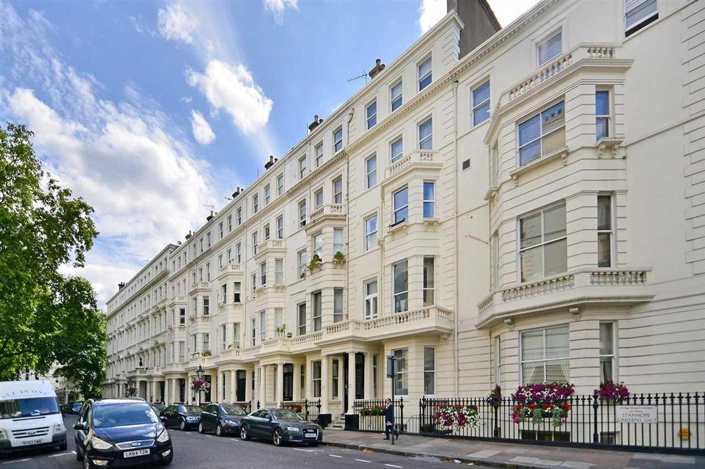2 Bedrooms Apartment Flat for sale in Stanhope Gardens, South Kensington SW7