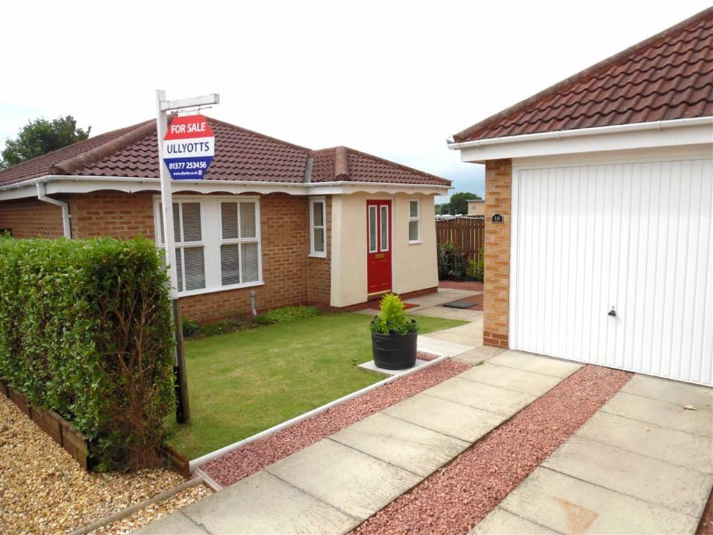 3 Bedrooms Detached Bungalow for sale in Curlew Close, Driffield, East Yorkshire