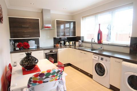 2 bedroom terraced house to rent - Blickling Road, Norwich