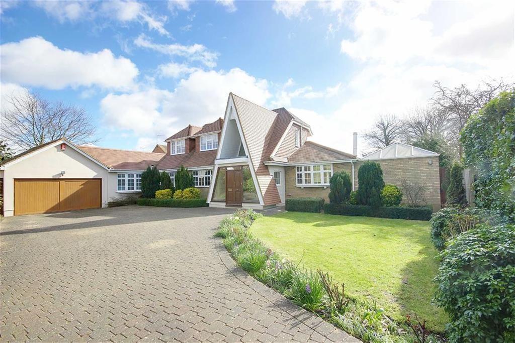 4 Bedrooms Detached House for sale in Newlands Way, Little Heath, Hertfordshire