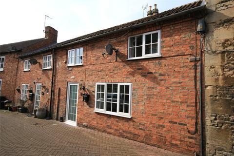 2 bedroom terraced house - Cross Keys Yard, Sleaford, NG34