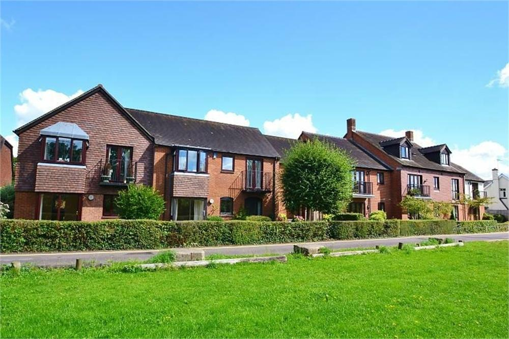 1 Bedroom Retirement Property for sale in White Lion Courtyard, Deweys Lane, RINGWOOD, Hampshire