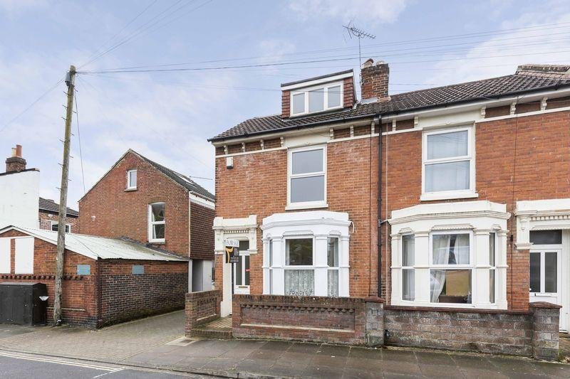 4 Bedrooms End Of Terrace House for sale in Essex Road, Southsea