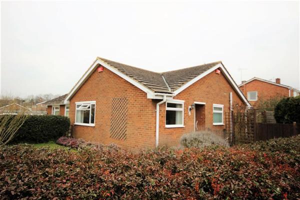 2 Bedrooms Semi Detached Bungalow for sale in Giraud Drive, Faversham