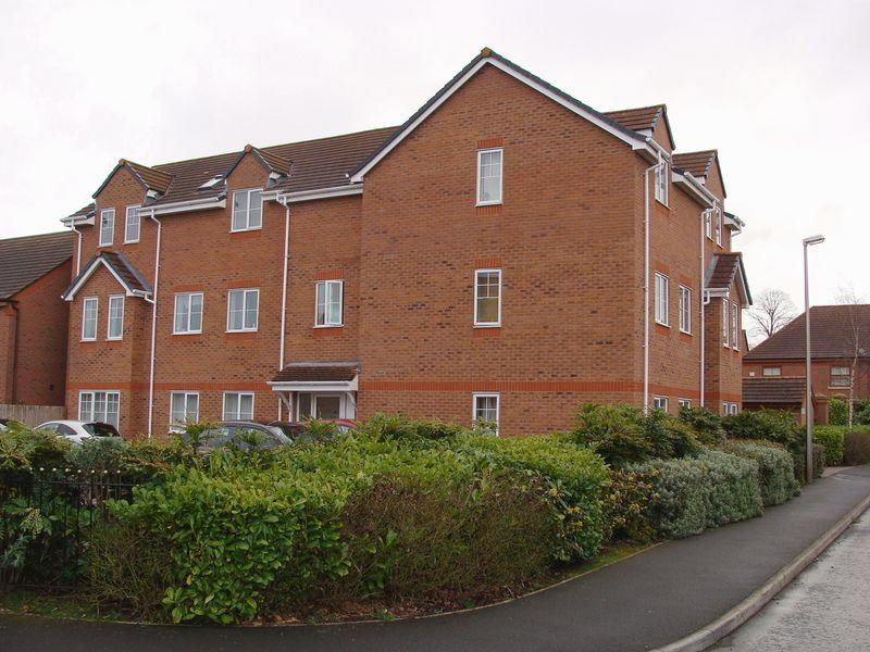 2 Bedrooms Apartment Flat for sale in Meadowbank Drive, Little Sutton
