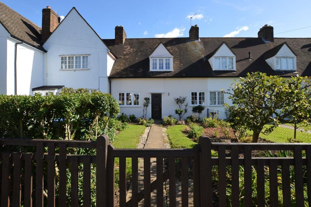 3 Bedrooms Terraced House for sale in Lovelace Green, Eltham, SE9