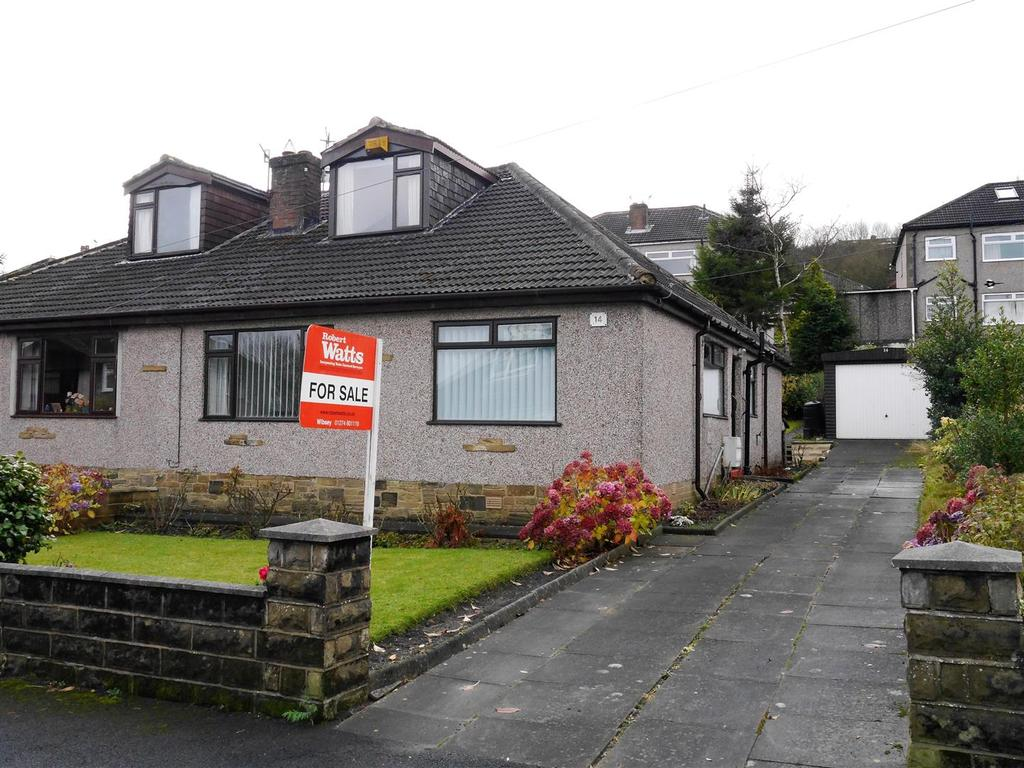 3 Bedrooms Semi Detached Bungalow for sale in Gregory Crescent, Horton Bank Top, Bradford, BD7 4PG