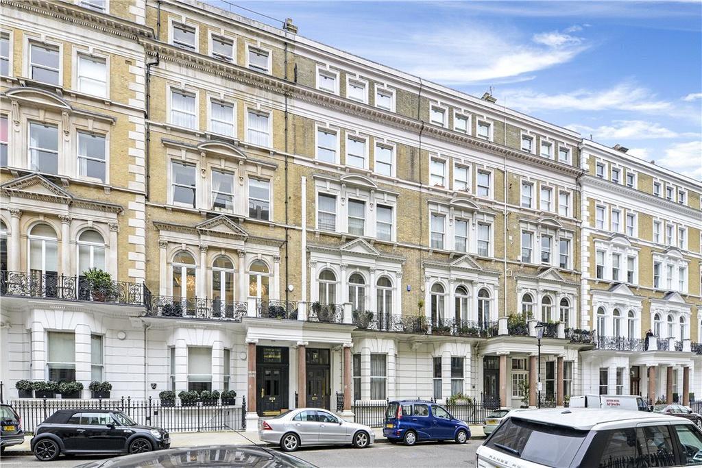 4 Bedrooms Flat for sale in De Vere Gardens, Kensington, London, W8