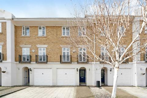 3 bedroom terraced house to rent - Bevin Square, London, SW17