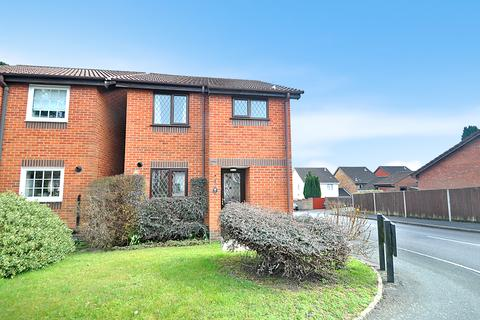 3 bedroom detached house to rent - Arun Road, West End, Southampton, Hampshire, SO18 3JZ