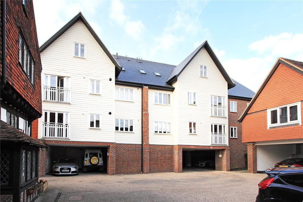 3 Bedrooms Penthouse Flat for sale in Meade Court, 67A High Street, Edenbridge, Kent, TN8