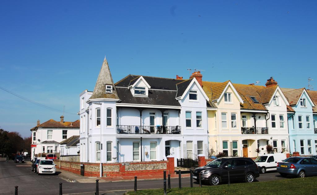Studio Flat for sale in New Parade, Worthing, West Sussex, BN11