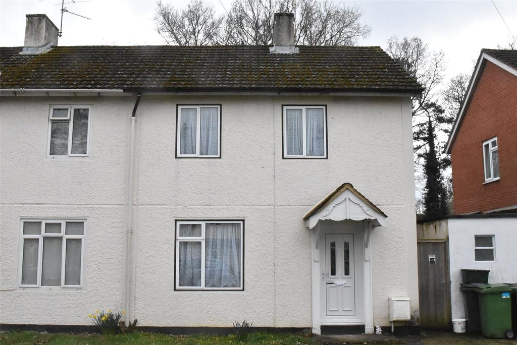 2 Bedrooms Semi Detached House for rent in Birch Road, Tadley, Hampshire, RG26