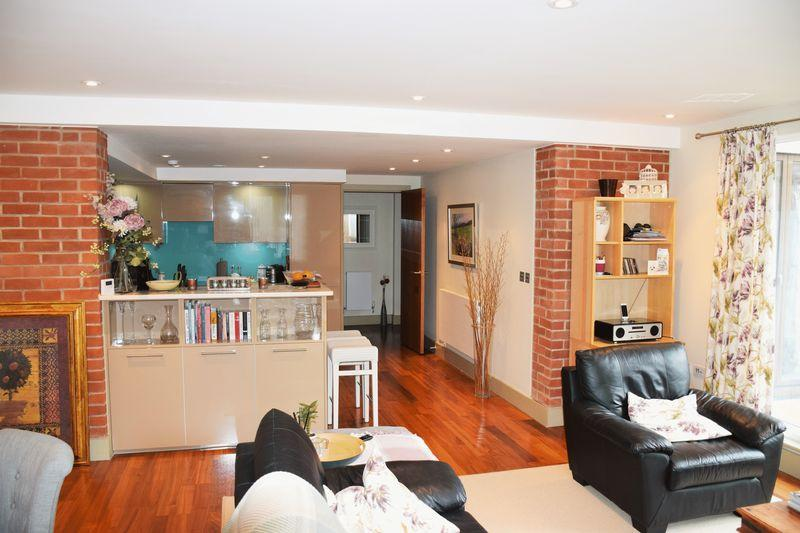 1 Bedroom Apartment Flat for sale in BONDED STORES, BREWERY SQUARE
