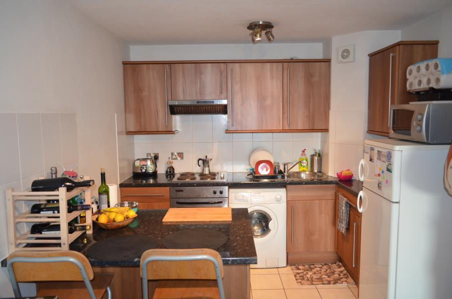 1 Bedroom Apartment Flat for sale in Osprey Heights - Falcons - SW11