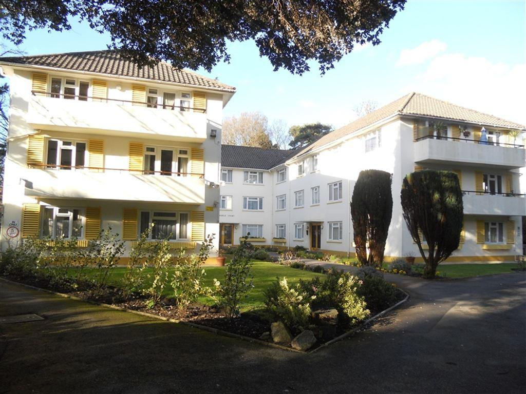 2 Bedrooms Flat for rent in Albemarle Court, 22 Manor Road, Bournemouth, Dorset