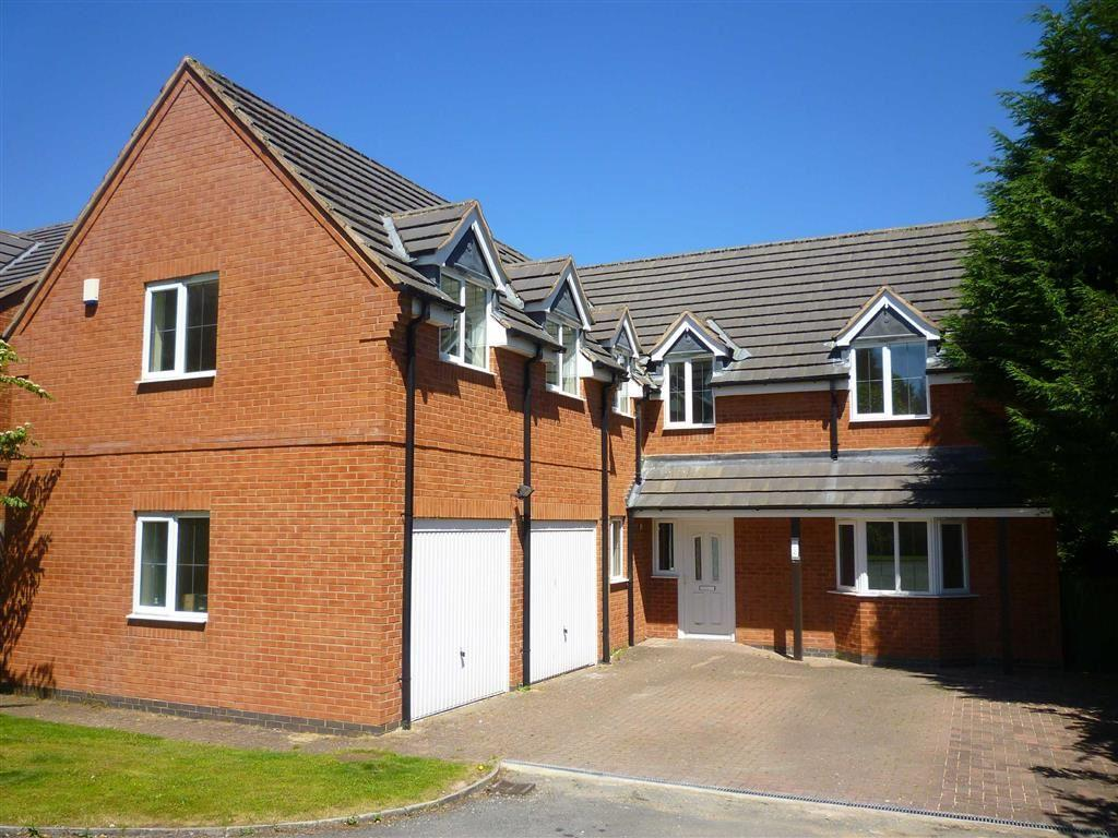 4 Bedrooms Detached House for sale in Uppingham Road, Evington, Leicester