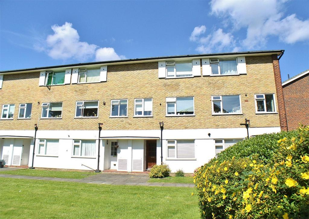 2 Bedrooms Maisonette Flat for sale in Minster House, Abbey Park, Beckenham, Kent