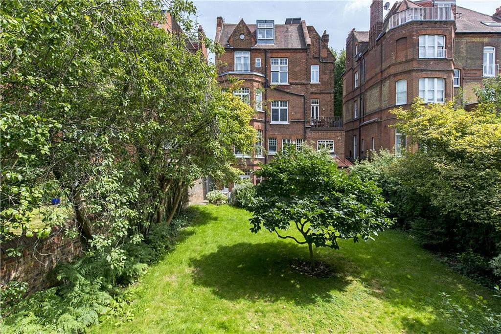 3 Bedrooms Flat for sale in Strathray Gardens, Belsize Park, London, NW3