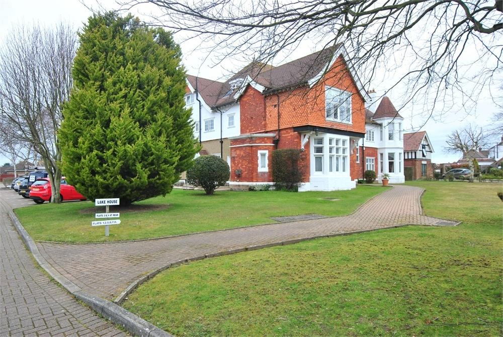 2 Bedrooms Flat for sale in Collington Lane West, BEXHILL-ON-SEA, East Sussex