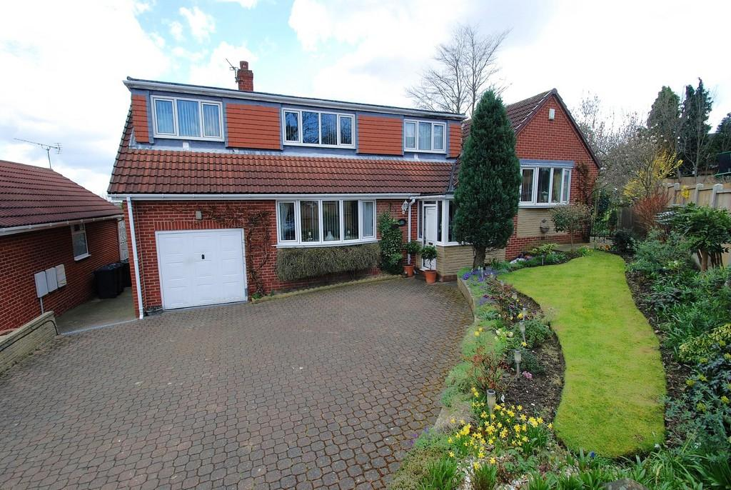 4 Bedrooms Detached Bungalow for sale in Treecrest Rise, Barnsley S75