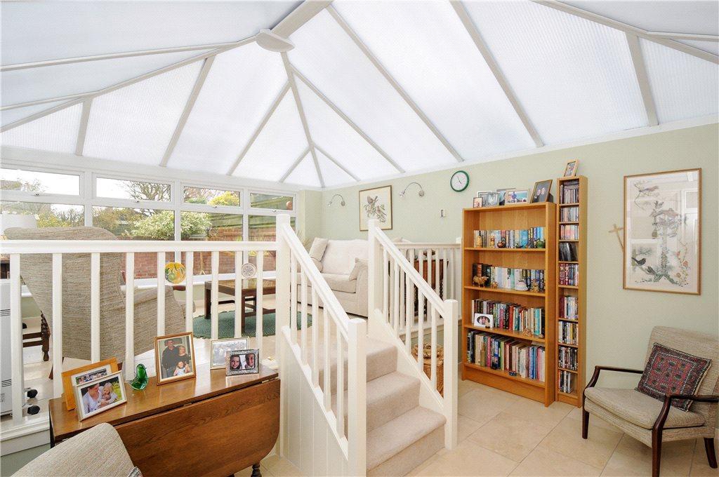 5 Bedrooms Link Detached House for sale in Bargates, Leominster, Herefordshire, HR6