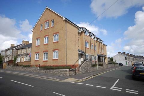 2 bedroom penthouse to rent - Brook Street, Bridgend, Bridgend County Borough, CF31 1GW