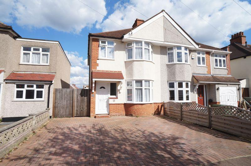 3 Bedrooms Semi Detached House for sale in Blenheim Road, Sidcup, DA15 9AU