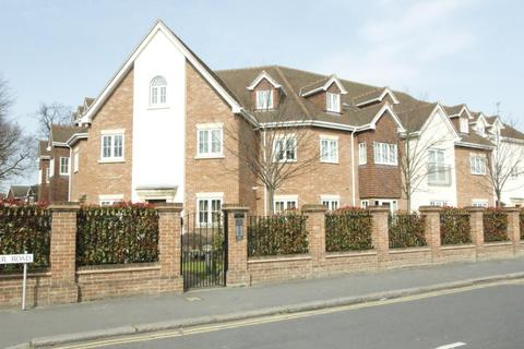 2 bedroom apartment to rent - Tilia Court, Berther Road, Hornchurch, Essex, RM11