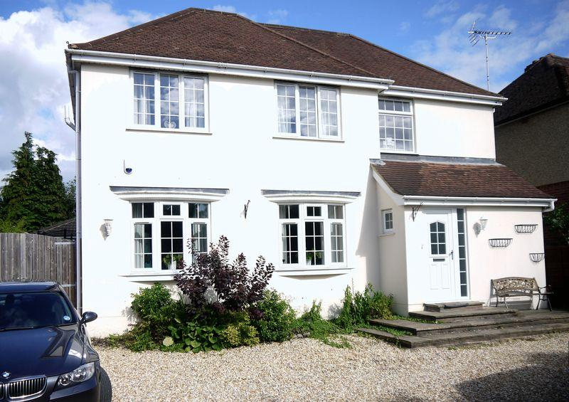5 Bedrooms Detached House for rent in Romsey Road, Maybush, Southampton