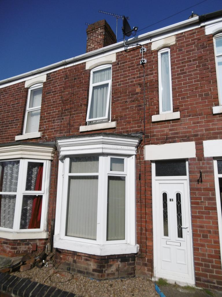2 Bedrooms Terraced House for rent in Queen Street, Clifton, Rotherham S65