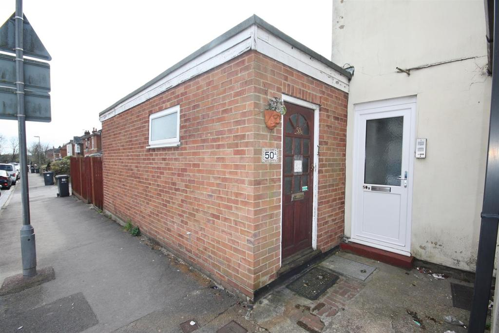 1 Bedroom Maisonette Flat for sale in Hamilton Road, Bishopstoke, Eastleigh