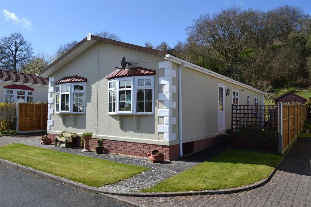2 Bedrooms Park Home Mobile Home for sale in Small Acre Park, Mortimers Cross