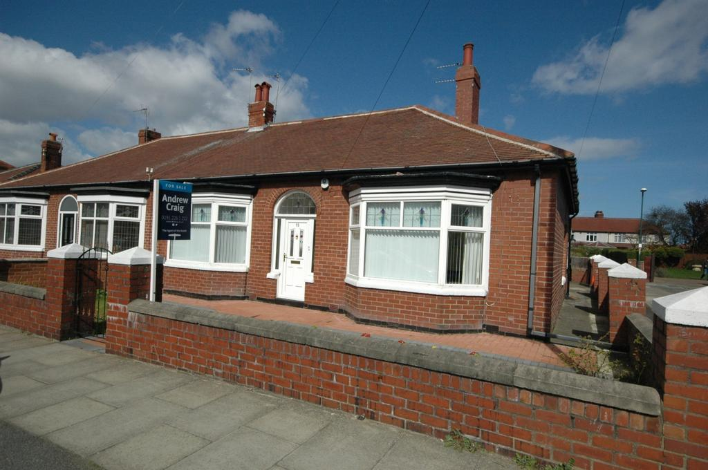 2 Bedrooms Bungalow for sale in St Peters Avenue, South Shields